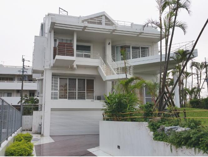 沖縄の海の見える高級別荘