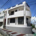 浦添市宮城のシャッターガレージ付の中古住宅