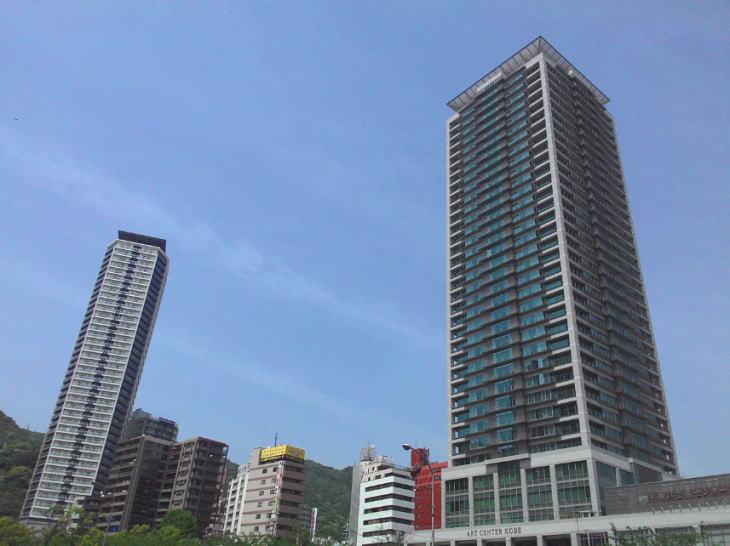 沖縄のタワーマンションがご盛況
